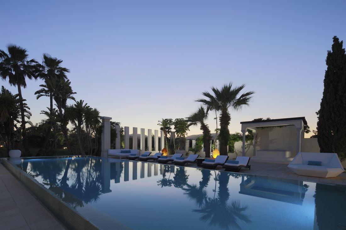 For sale a beautiful villa in Cala Jondal in Ibiza