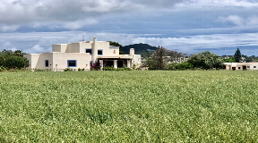 Traditional hacienda in a tranquil setting close to the town
