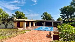 Beautiful villa in a very quiet location near Ibiza