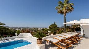 Beautiful renovated villa in Ibiza with unobstructed sea view in Ibiza