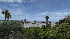 Small house to renovate in Santa Eulalia with fantastic sea views