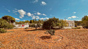 Country house with 2760m2 of land and house of 185m2 for sale near Ibiza