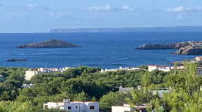 Villa with very nice sea view in Cala Llenya for sale
