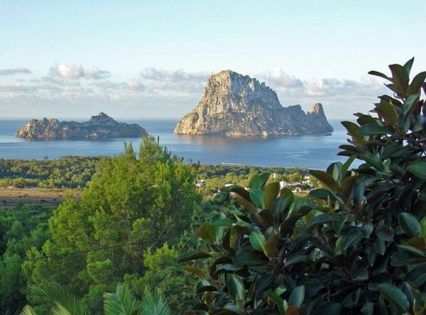 Beautiful plot for sale in Cala Carbo