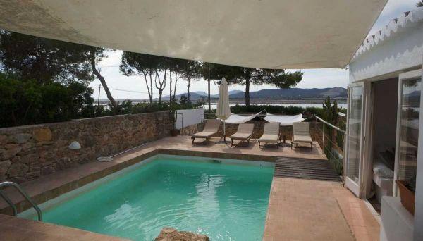 Five Bedroom Villa in La Acebeda Salinas for sale