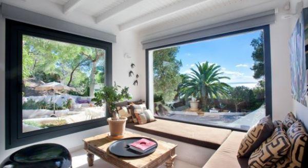Luxury villa with 4 bedrooms for sale in Las Salinas