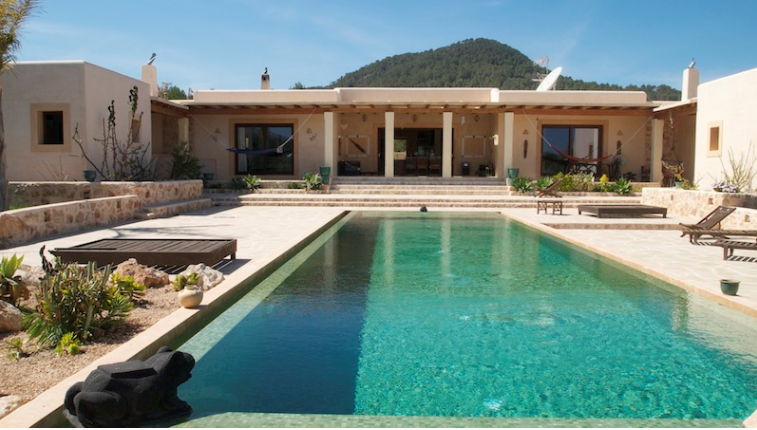 New and beautiful villa in San Agustin for sale